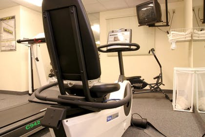 Sports Facility | Candlewood Suites Rockford