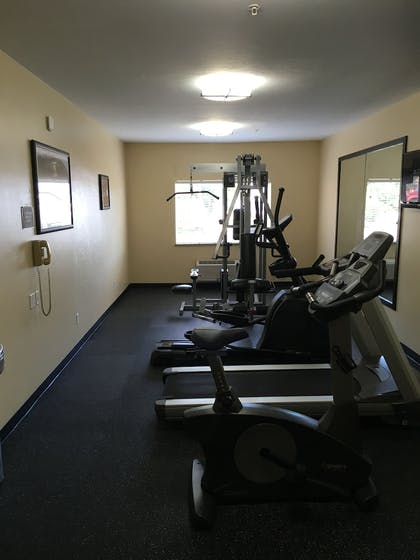 Fitness Facility | Best Western Greentree Inn & Suites