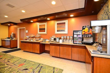 Restaurant | Fairfield Inn Suites by Marriott Cherokee