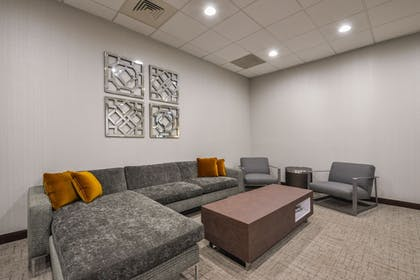 Lobby Lounge | Wingate by Wyndham Charlotte Airport I-85/I-485