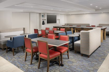 Restaurant | Holiday Inn Express & Suites Baltimore - BWI Airport North