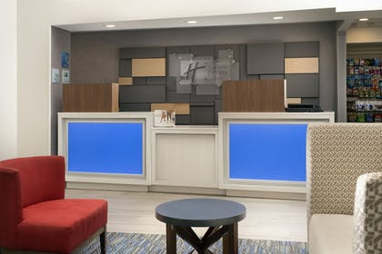 Lobby | Holiday Inn Express & Suites Baltimore - BWI Airport North