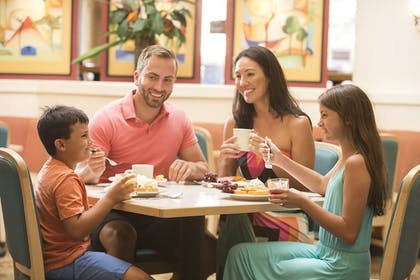 Family Dining | The Caravelle Resort