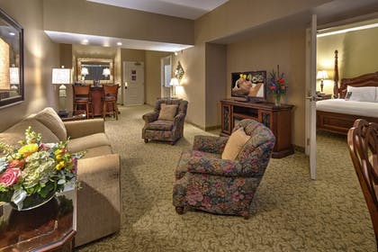 Living Area | Carnegie Hotel & Spa
