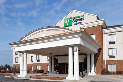 Exterior | Holiday Inn Express & Suites Lancaster