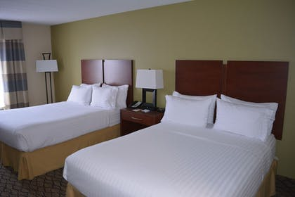 Guestroom | Holiday Inn Express & Suites Lancaster