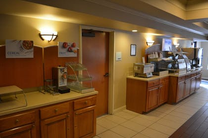 Breakfast Area | Holiday Inn Express & Suites Lancaster