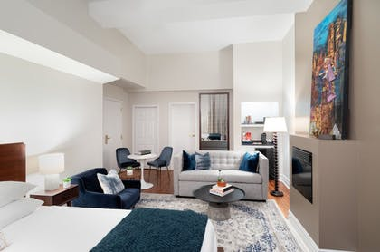Living Area | The Independent Hotel