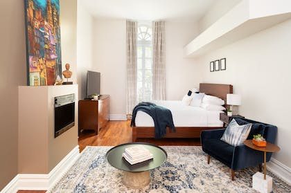 Guestroom | The Independent Hotel