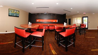 Restaurant | Courtyard by Marriott Dallas DFW Airport South/Irving