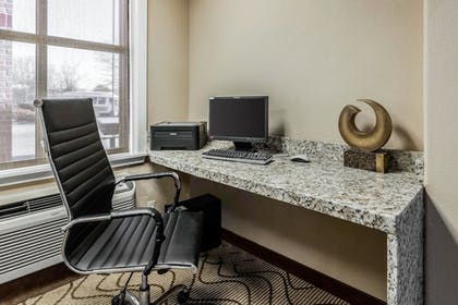 Business Center | Comfort Inn & Suites Airport-American Way