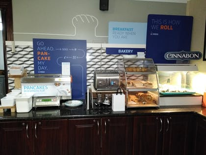 Breakfast Area | Holiday Inn Express Hotel & Suites Waterford