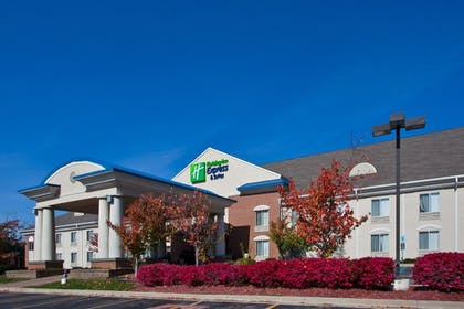 Featured Image | Holiday Inn Express Hotel & Suites Waterford