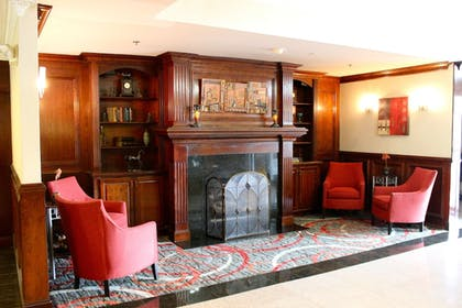 Lobby | Holiday Inn Express Hotel & Suites Waterford