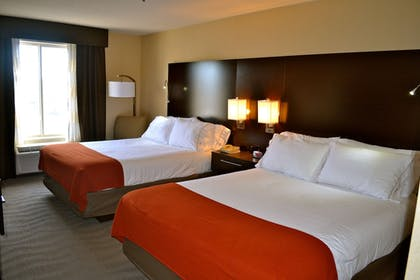 Guestroom | Holiday Inn Express Hotel & Suites Waterford