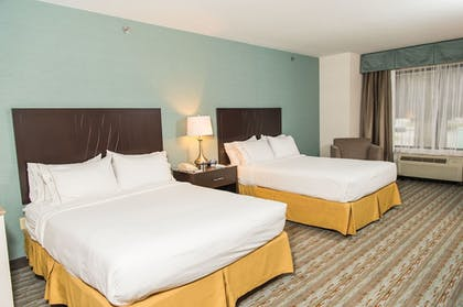 Guestroom | Holiday Inn Express Hotel & Suites Erie (Summit Township)