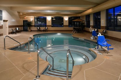 Pool | Holiday Inn Express & Suites New Berlin