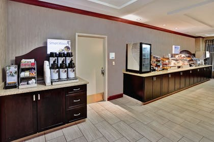 Restaurant | Holiday Inn Express Hotel & Suites Grand Rapids-North