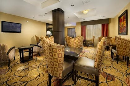 Restaurant | Holiday Inn Express Hotel & Suites Mount Pleasant