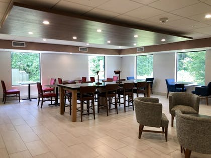 Restaurant | Holiday Inn Express Hotel & Suites Great Barrington