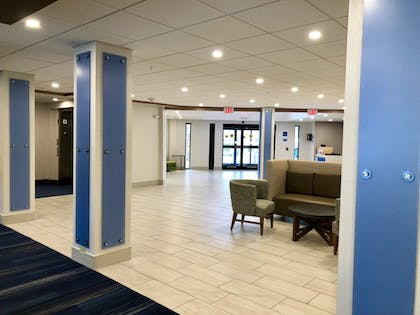 Interior | Holiday Inn Express Hotel & Suites Great Barrington