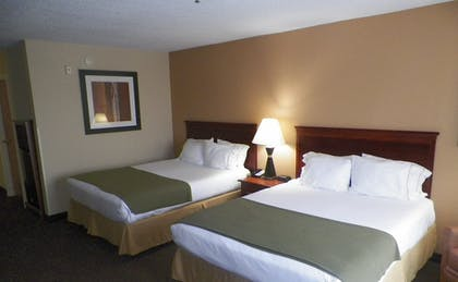 Room | Holiday Inn Express & Suites Forest