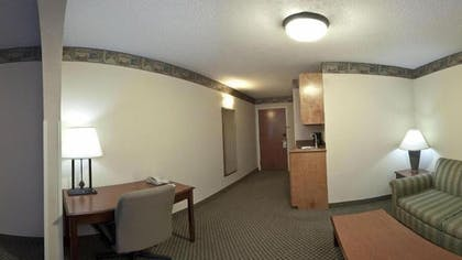 Living Area | Holiday Inn Express & Suites Forest
