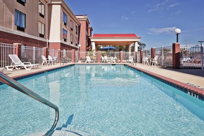Pool | Holiday Inn Express & Suites Forest