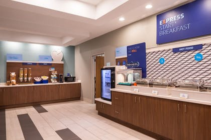 Breakfast buffet | Holiday Inn Express Hotel & Suites Tampa-Anderson Rd/Veteran