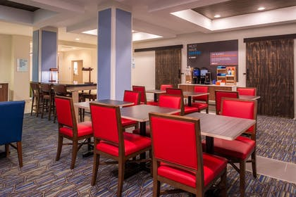Restaurant | Holiday Inn Express Hotel & Suites Tampa-Anderson Rd/Veteran