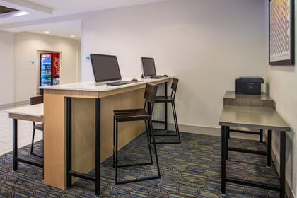 Business Center | Holiday Inn Express Hotel & Suites Tampa-Anderson Rd/Veteran