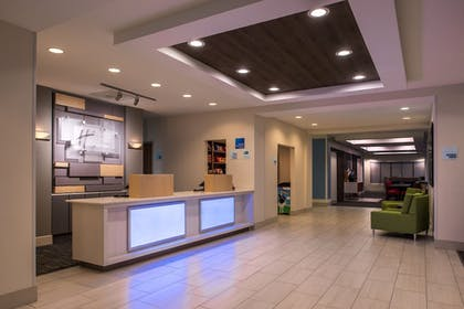 Lobby | Holiday Inn Express Hotel & Suites Tampa-Anderson Rd/Veteran