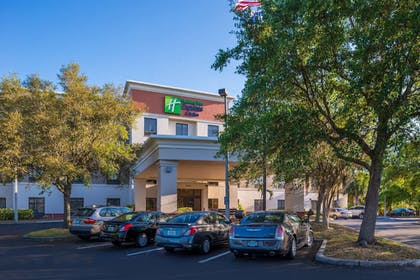 Exterior | Holiday Inn Express Hotel & Suites Tampa-Anderson Rd/Veteran