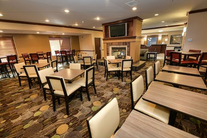 Breakfast Area | Holiday Inn Express Hotel & Suites Grand Forks