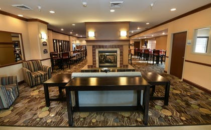Lobby | Holiday Inn Express Hotel & Suites Grand Forks