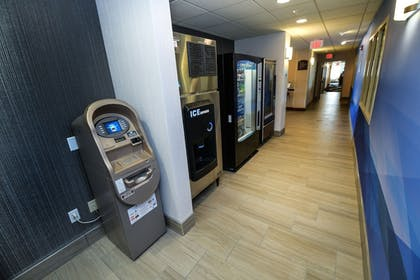 Vending Machine | Holiday Inn Express Hotel & Suites Grand Forks