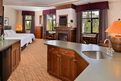 In-Room Dining | The Lodge at Big Sky