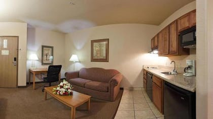 Living Room | Holiday Inn Express Hotel & Suites Mission-McAllen Area