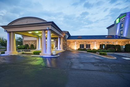 Featured Image | Holiday Inn Express Hotel & Suites Christiansburg