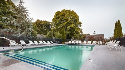 Outdoor Pool | Best Western Plus Cold Spring