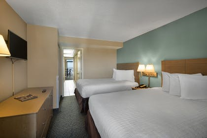 Guestroom | Landmark Resort
