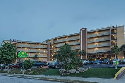 Featured Image | La Quinta Inn & Suites by Wyndham Cocoa Beach Oceanfront