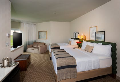 Guestroom | The Ingleside Hotel