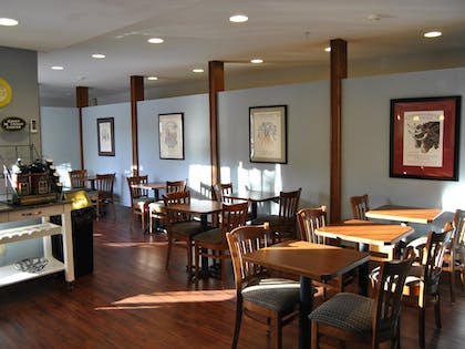 Restaurant | Casco Bay Inn