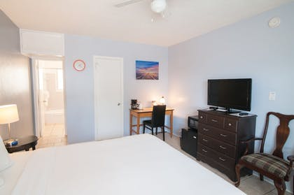 Guestroom | Great Escape Inn