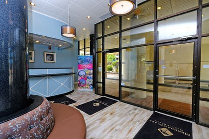 Interior Entrance   Meridian Plaza by Beach Vacations