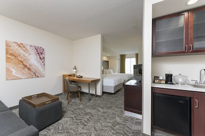 Guestroom | SpringHill Suites by Marriott Grand Rapids North