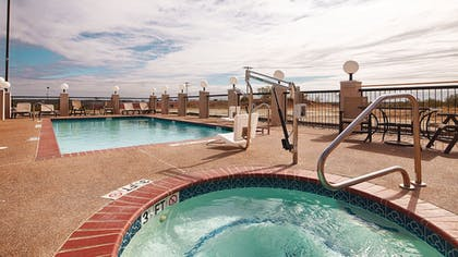 Outdoor Pool | Best Western Club House Inn & Suites
