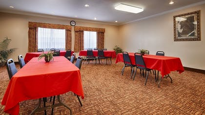 Dining | Best Western Club House Inn & Suites