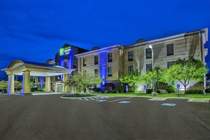 Exterior | Holiday Inn Express Hotel and Suites Marysville